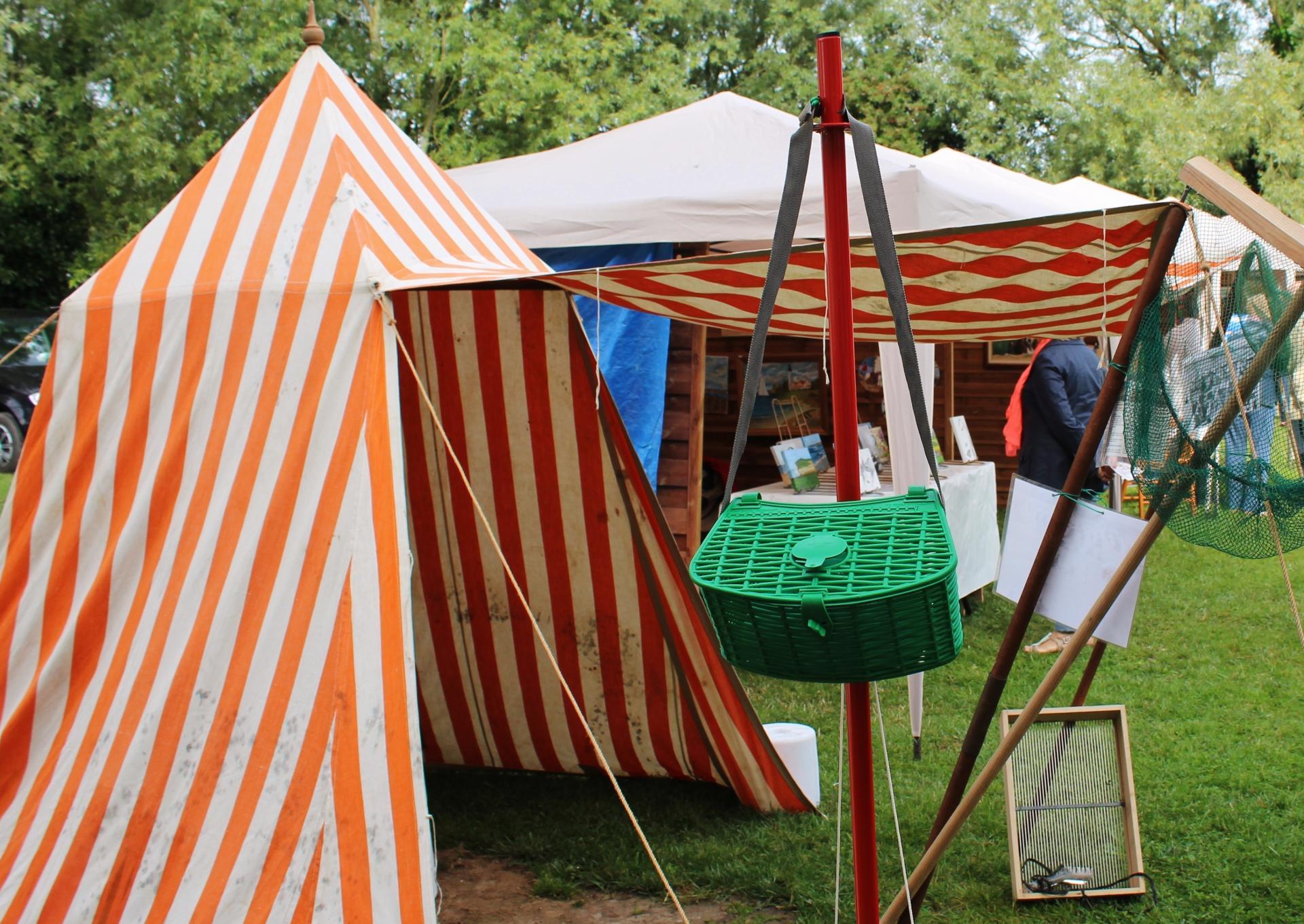 Ancienne tente de plage a la fete des islandais des hemmes de marck