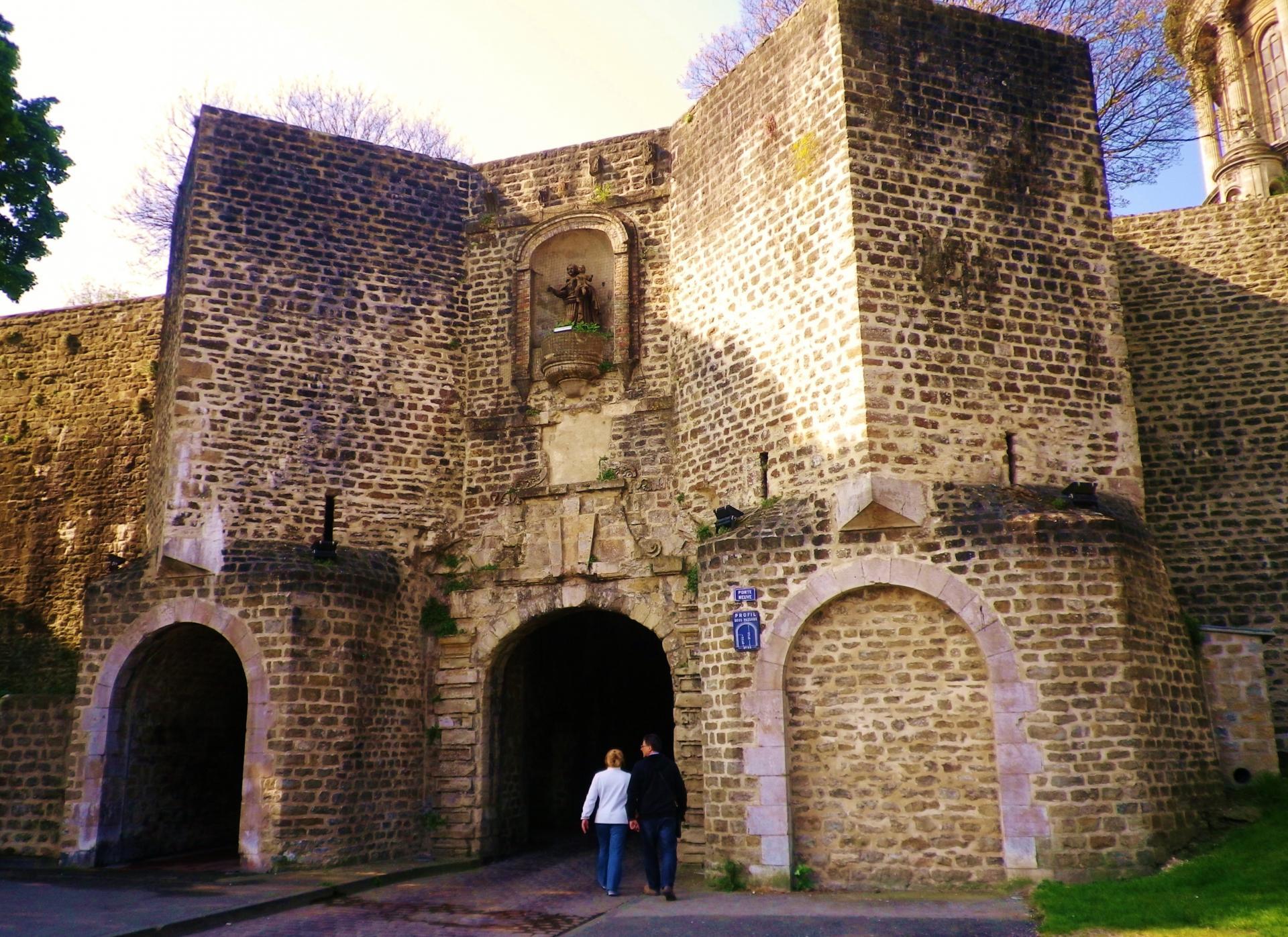 Boulogne sur mer la porte gayole les fortifications