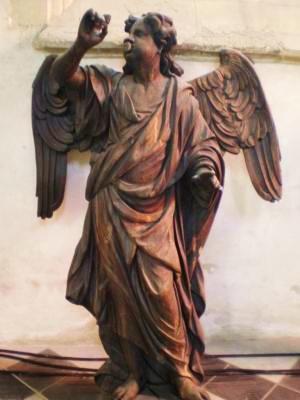 Calais ange du buffet d orgue de l eglise notre dame de calais