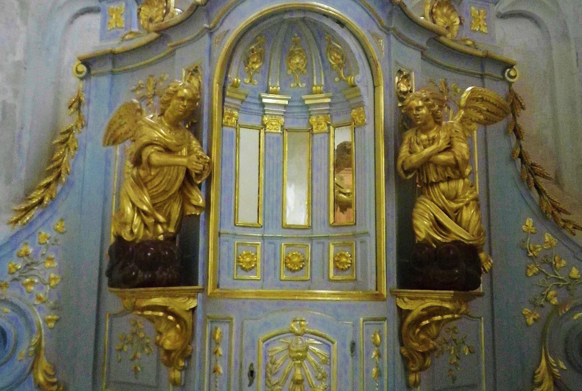 Calais eglise notre dames les anges de l ancien autel de saint pierre