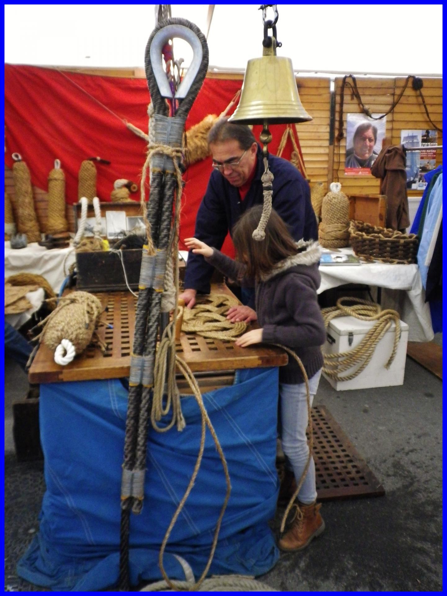 Calais fete du hareng travaux de matelotage encadre