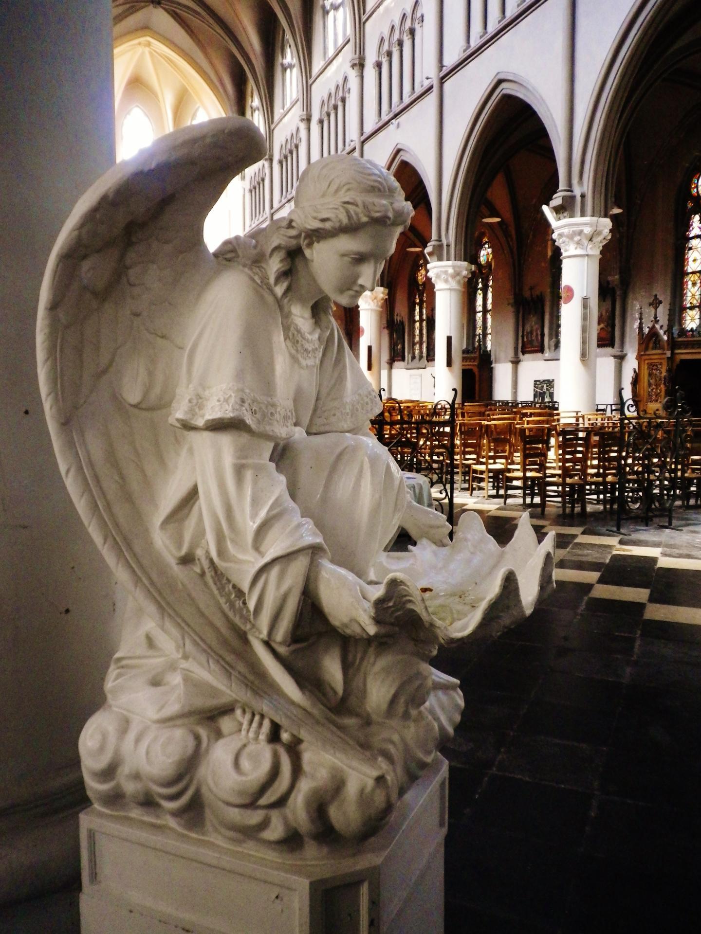 Calais l eglise du sacre coeur les anges