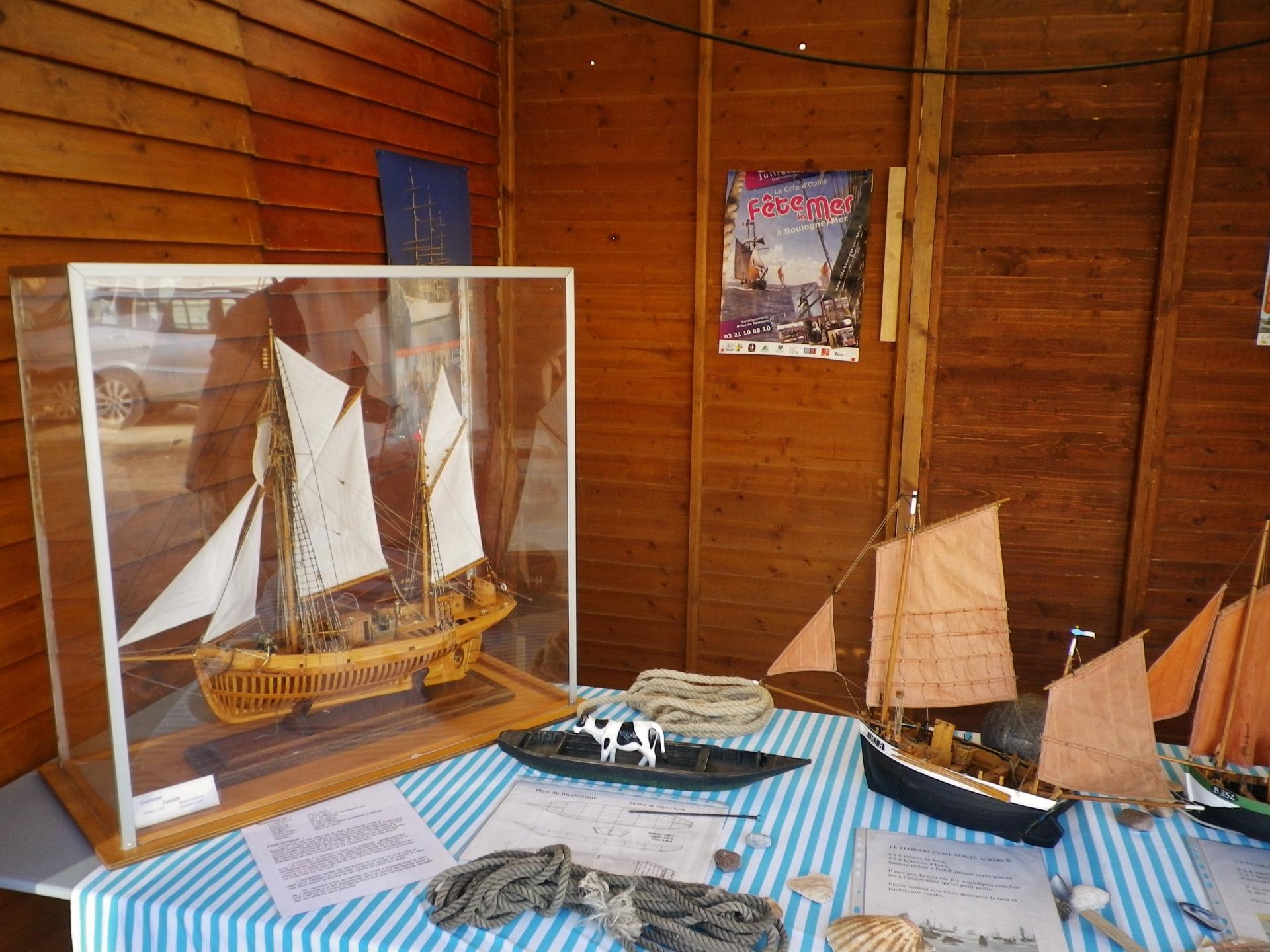 Etaples fete du hareng maquette de bateau