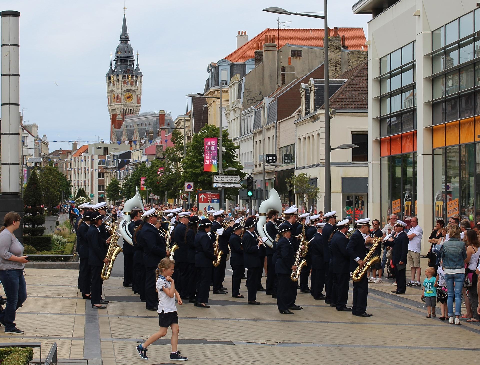 Grande parade musicale de calais anime l ete 2