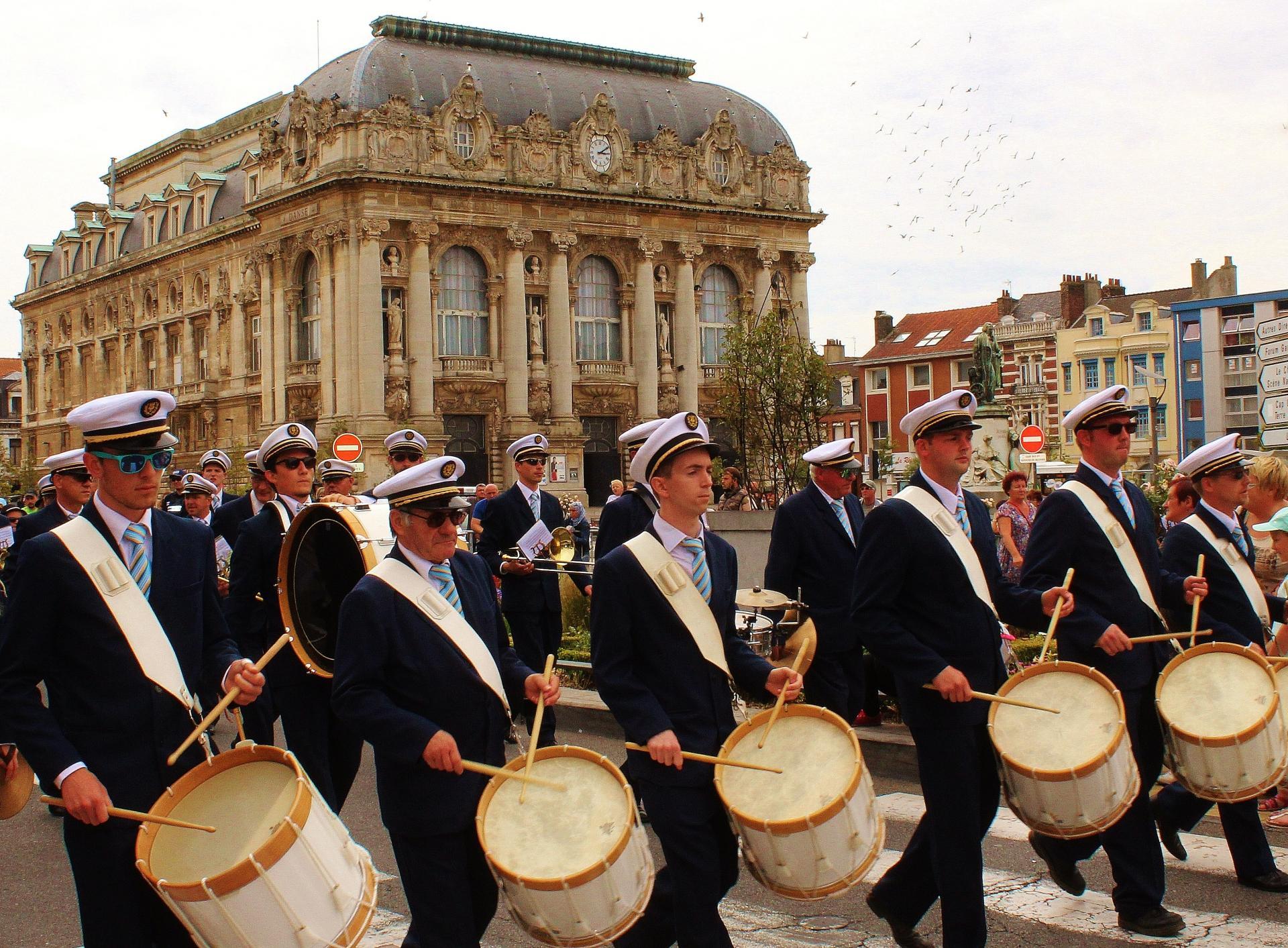 Grande parade musicale de calais anime l ete l harmonie municipale de calais