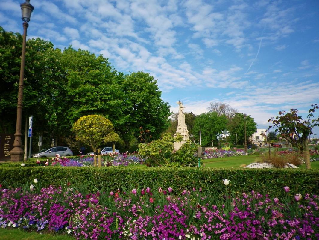 les jardins de l'hotel de ville de Calais