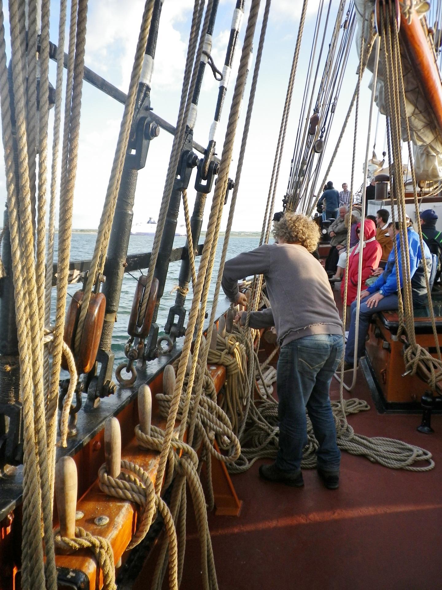 les cordages à bord d'un vieux gréement calais port