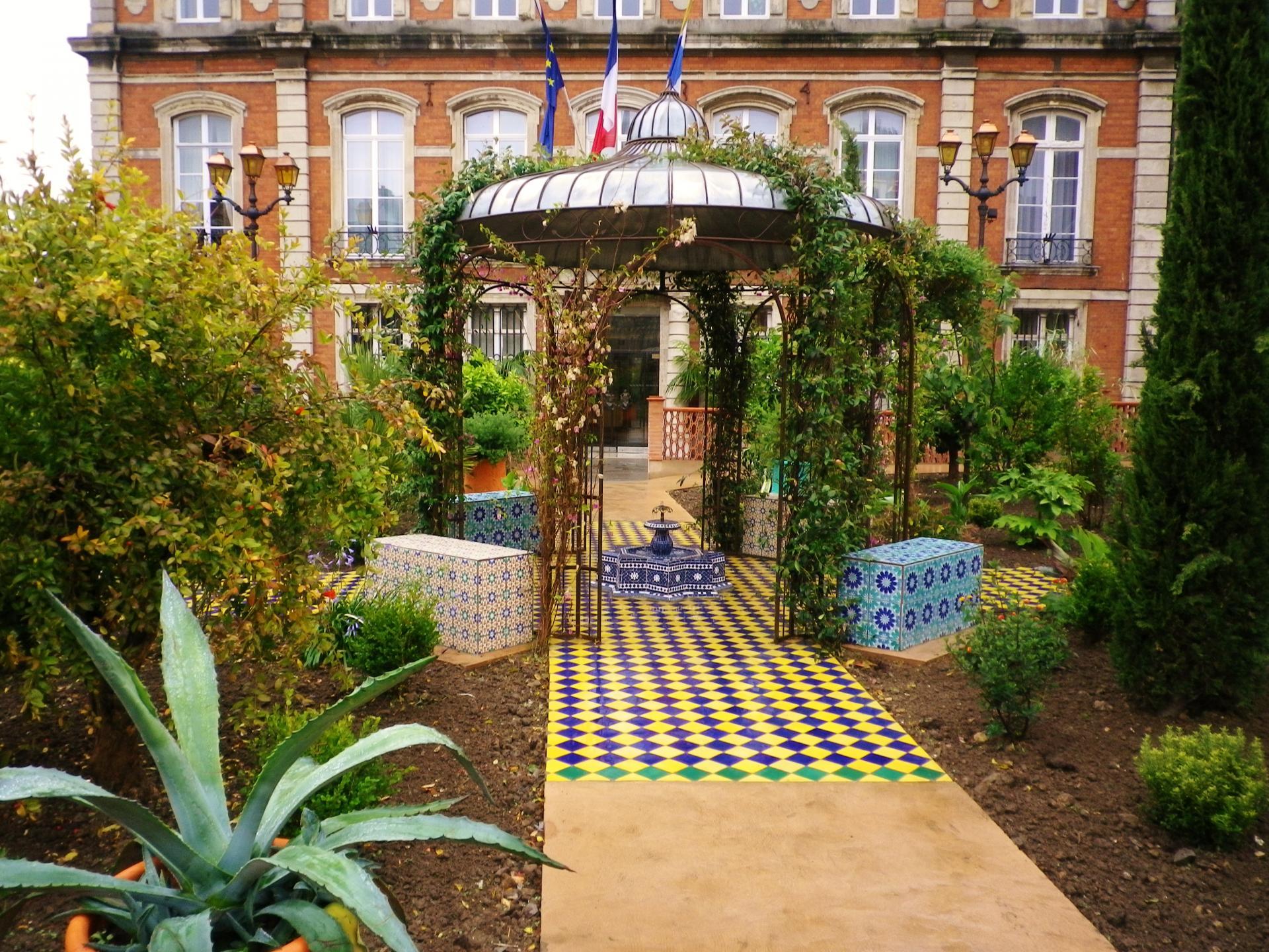 boulogne jardin devant la mairie