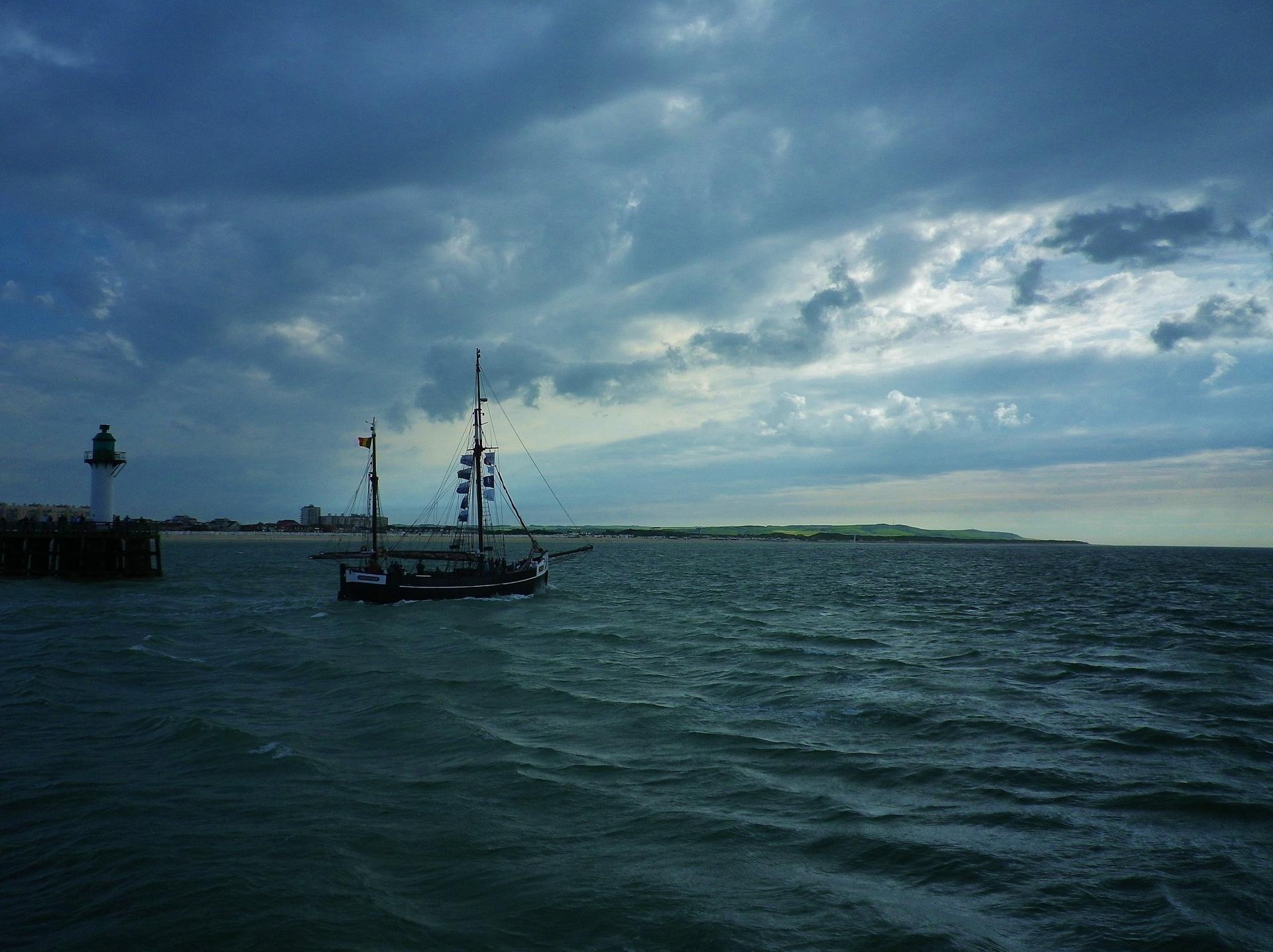 Promenade en mer fete maritime de calais 2014