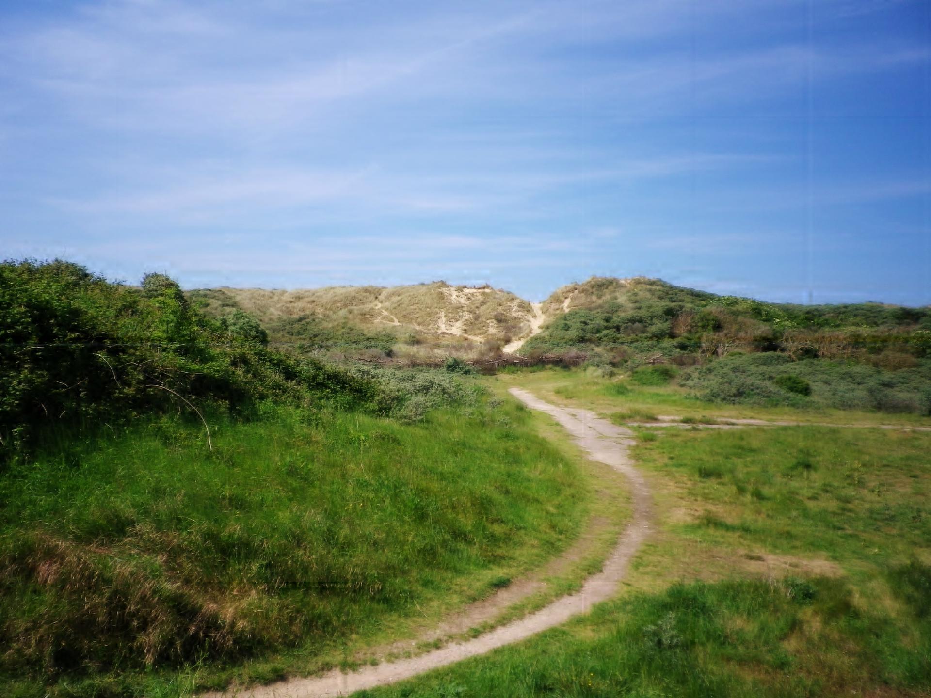 Sangatte un acces a la plage a travers la grande dune